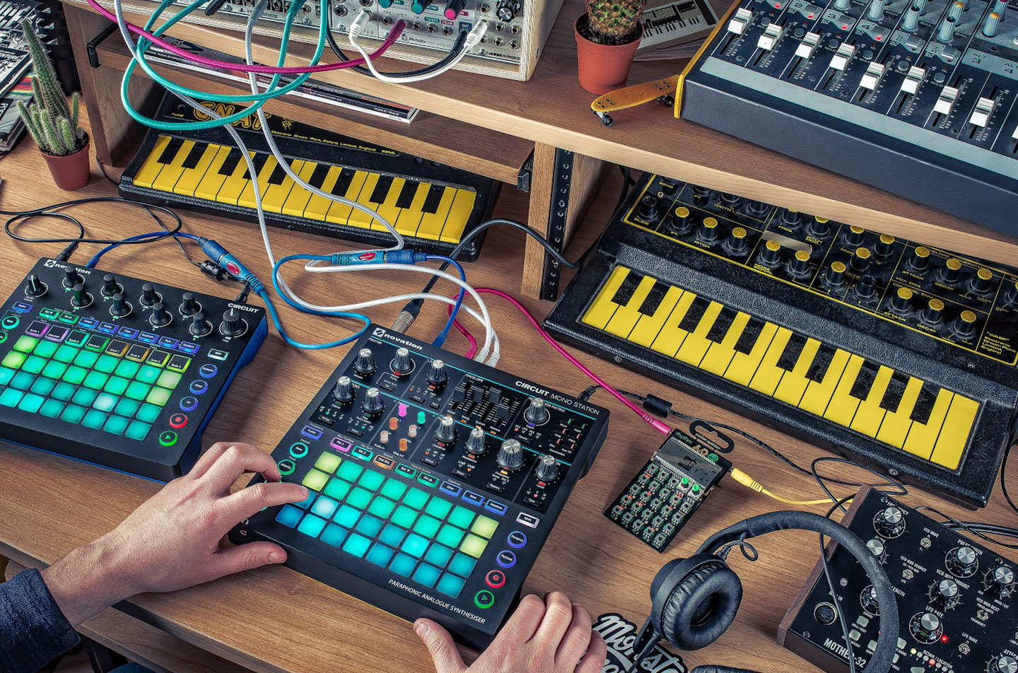 Novation - Circuit Mono Station